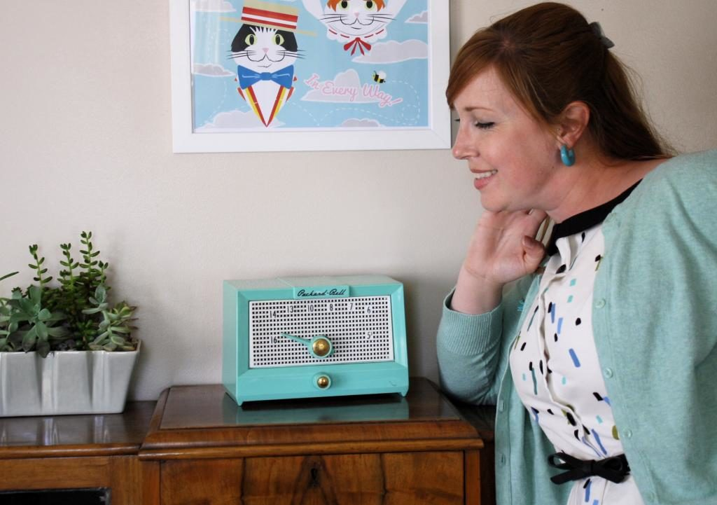 Mad Men Sewing Challenge Mint Green Sewing Machine Simplicity 1191